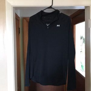 UA semi fitted pullover
